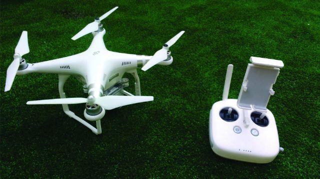 quatro acessórios para drones